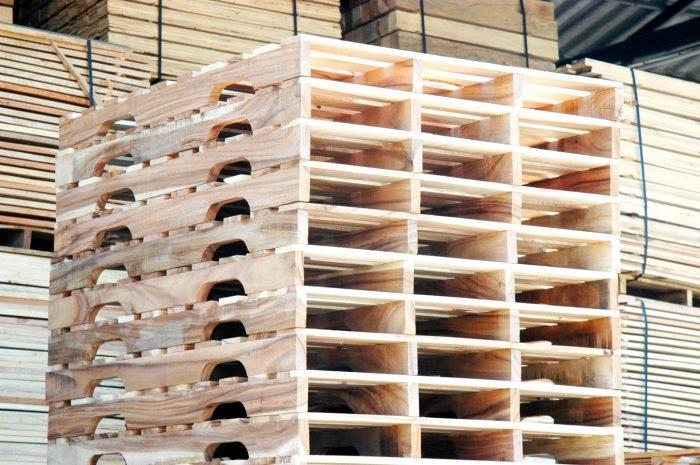 พาเลทไม้ คานเว้าขา | Curved Stringer Wooden Pallets
